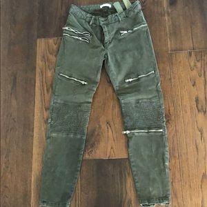 Green army pants q